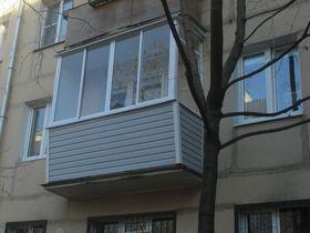 Отделка балкона снаружи сайдингом
