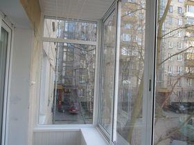 Сколько стоит застеклить балкон в хрущевке?