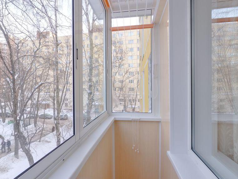 Остекления балкона пятиэтажка смотреть.