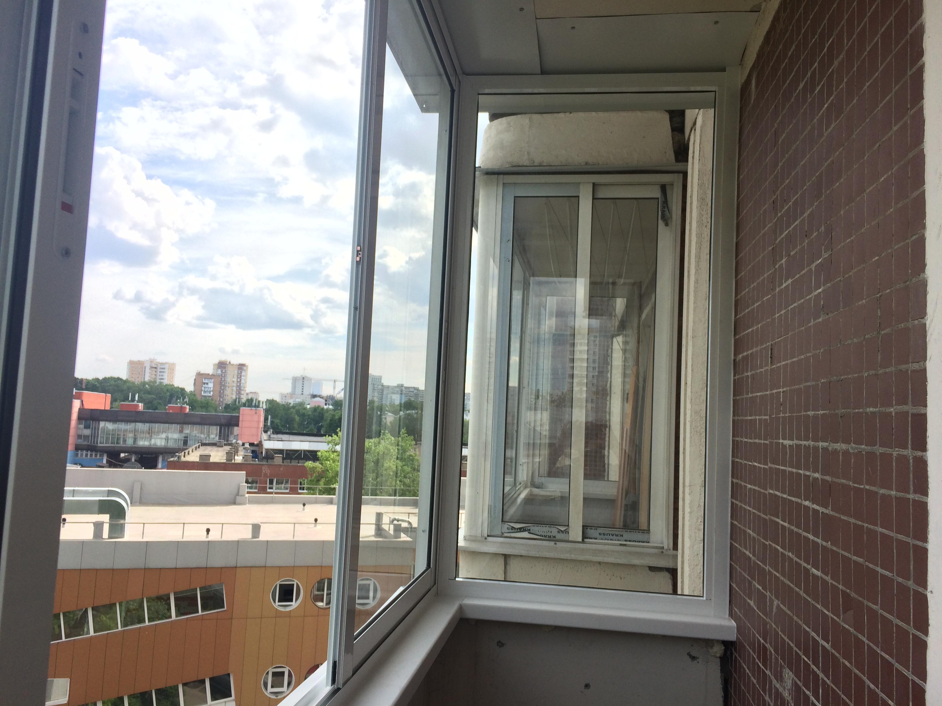 Сколько будет стоить заменить остекление на балконе 3,5 метр.