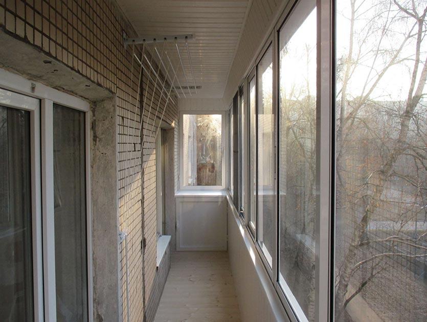 Цены на внутреннюю отделку балкона в москве и мо..
